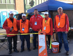 yrc-at-the-chicago-2016-marathon-aid-station-20